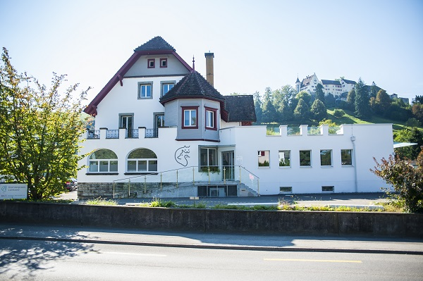 aussenansicht-kleintierpraxis-lombard-ag-lenzburg (1)