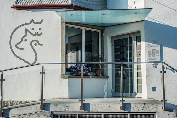 eingang-kleintierpraxis-lombard-ag-lenzburg